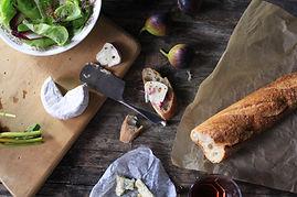 Fromage et baguette de pain