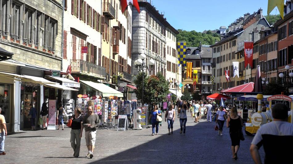 Chambéry (à 20min)