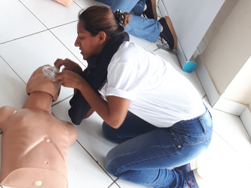 Capacitación en Primeros Auxilios y Formación en Auxiliar de Enfermería