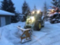 tractor_snow.jpeg