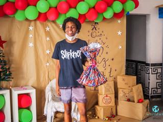 Hope Worldwide Rio realiza entrega de presentes para crianças e adolescentes