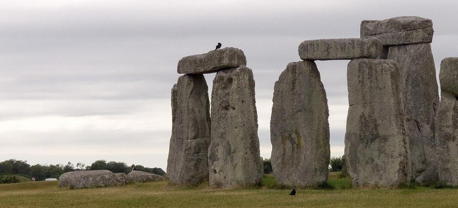 stonehengeraven1_edited.jpg