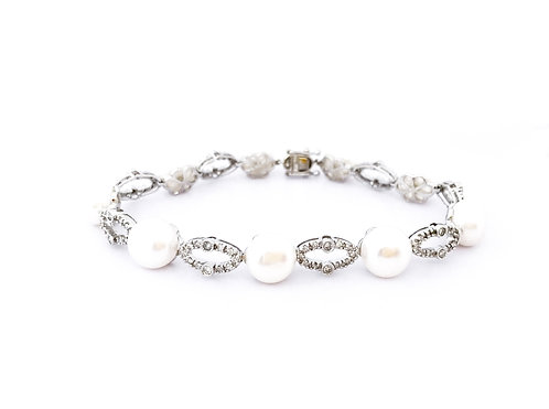 Pearls Diamond Gold Bracelet