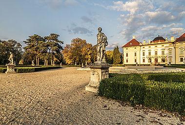 SLAVKOV-ZAMEK.jpg