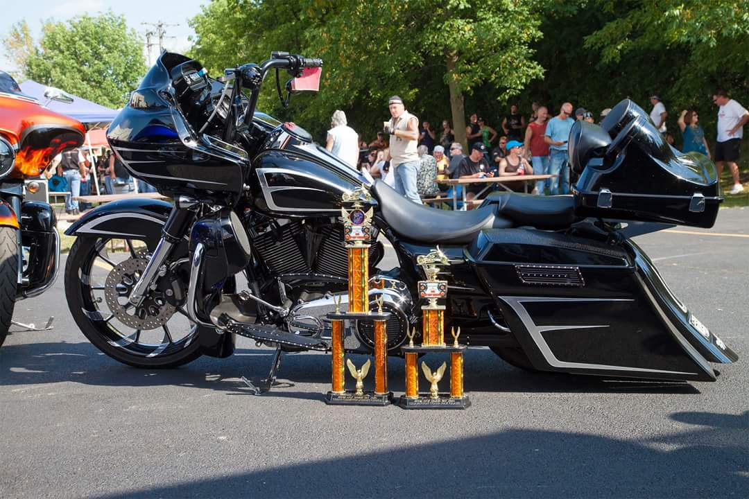 Picture of Bike with Trophy