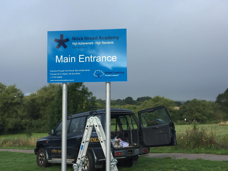 Main entrance sign at Nova Hreod Academy