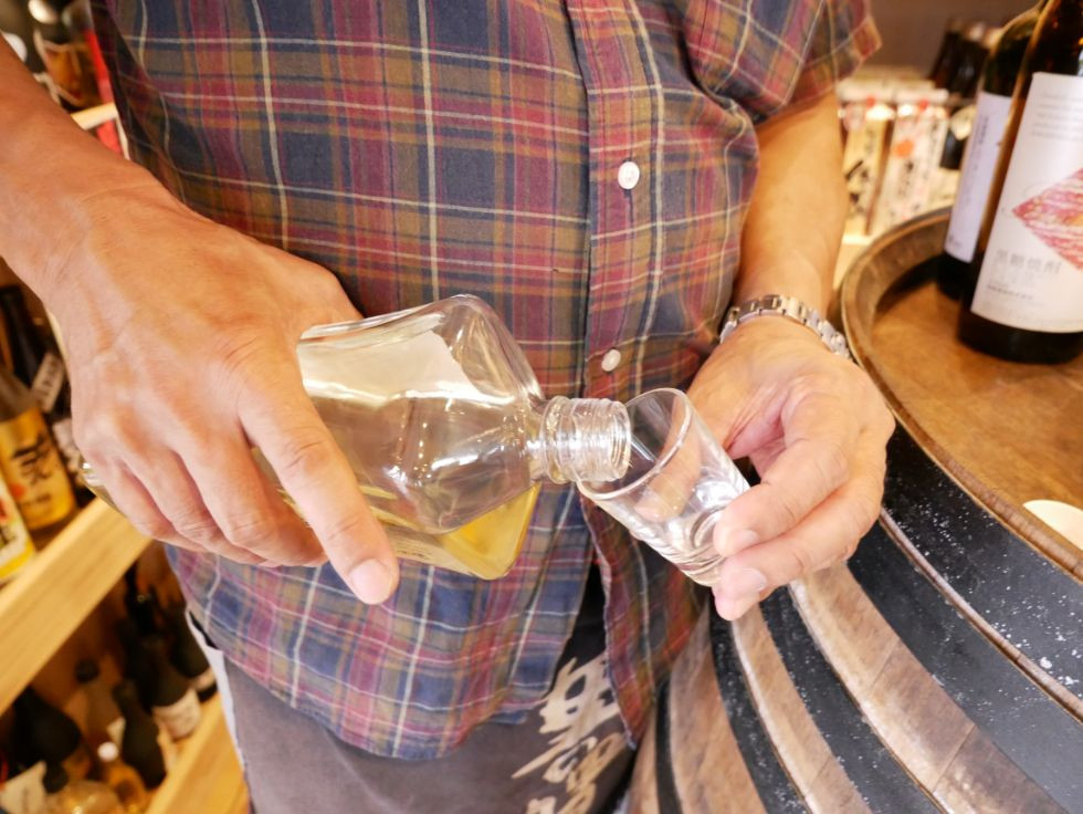 瀬戸内町古仁屋で半世紀続く『(資)瀬戸内酒販』黒糖焼酎コンシェルジュがあなたにぴったりのお酒をお届け!