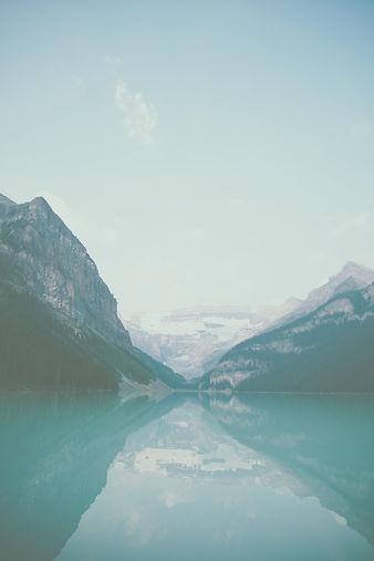 Lake Louise landscape_edited.jpg