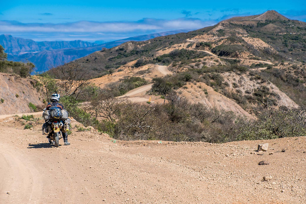 Stunning views and roads on Ruta Del Che, Bolivia - AvVida.co.uk