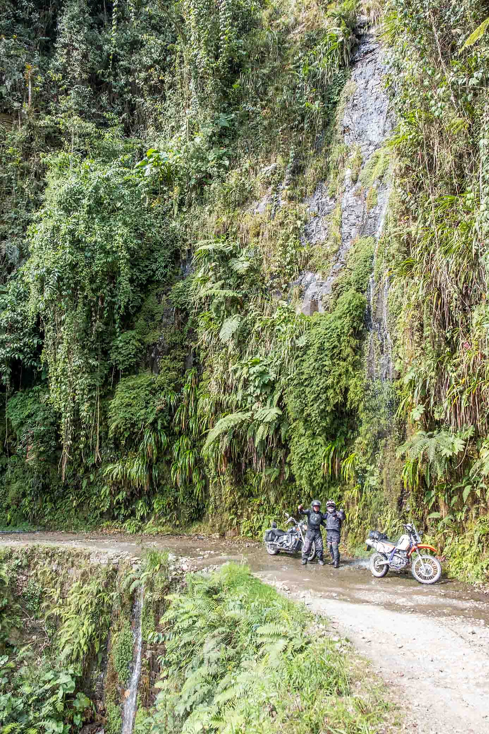 Death Road waterfall-AvVida.co.uk
