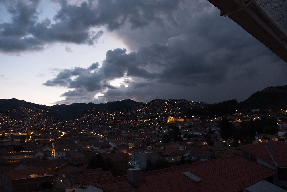 The view over Cusco in the early evening.  AvVida.co.uk. Photo by Suzie Bostock.