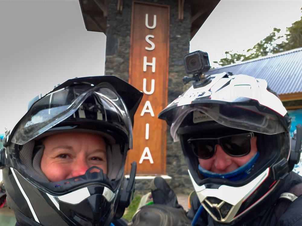 Quick selfie on the way in to Ushuaia - AvVida.co.uk