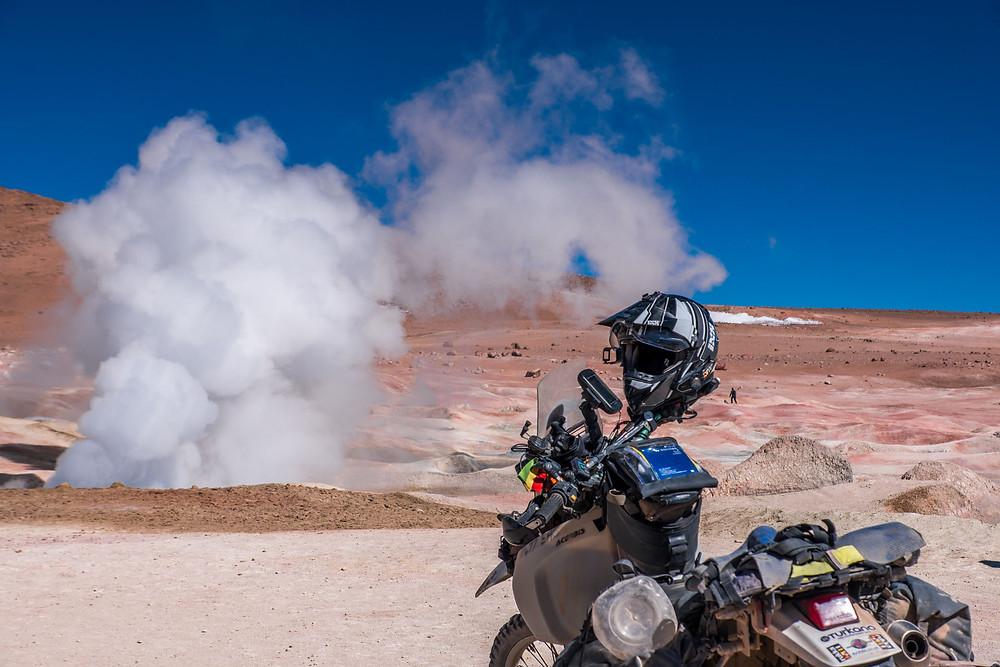 The big geyser at Sol de Mañana geysers, Lagunas route, Bolivia - AvVida.co.uk
