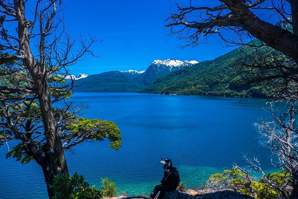 Lago Futalaufquen, Parque Nacional Los Alerces, Patagonia - AvVida.co.uk