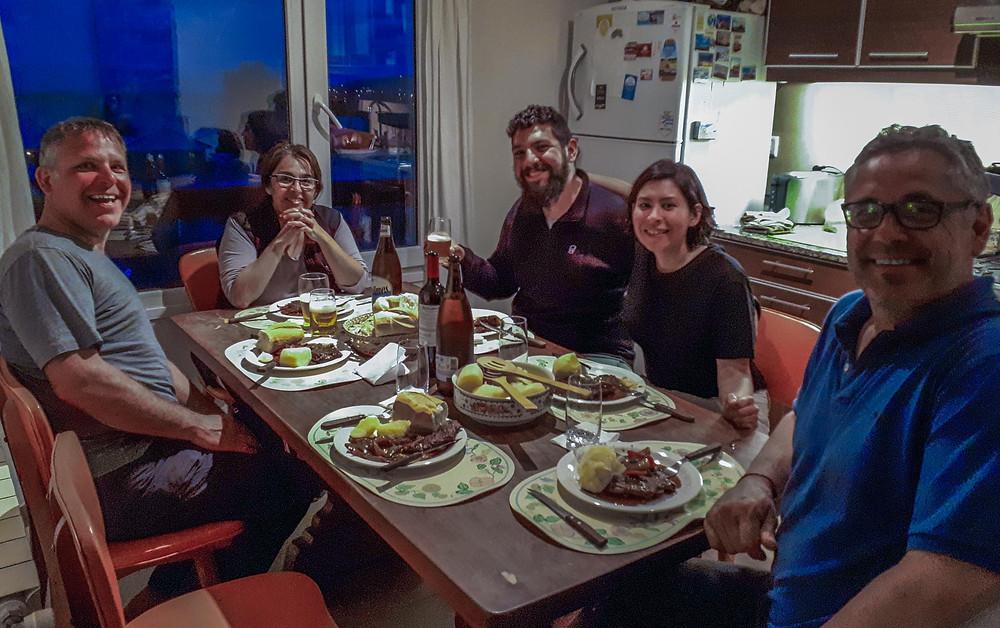 A fabulous BBQ meal with Eduardo and Rosanna at their home with Car and Fer of 'Caravana Americana - AvVida.co.uk