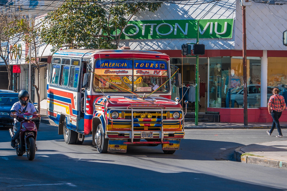 One of the many colourful buses in Cochabamba - AvVida.co.uk