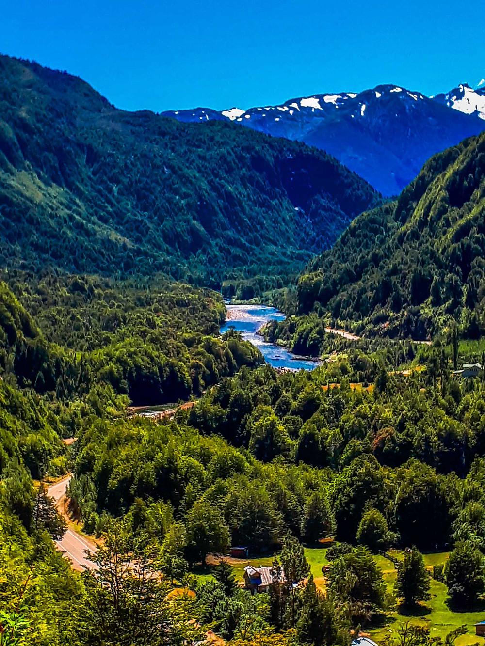 Stunning views are abundant on the Carretera Austral in Chile - AvVida.co.uk