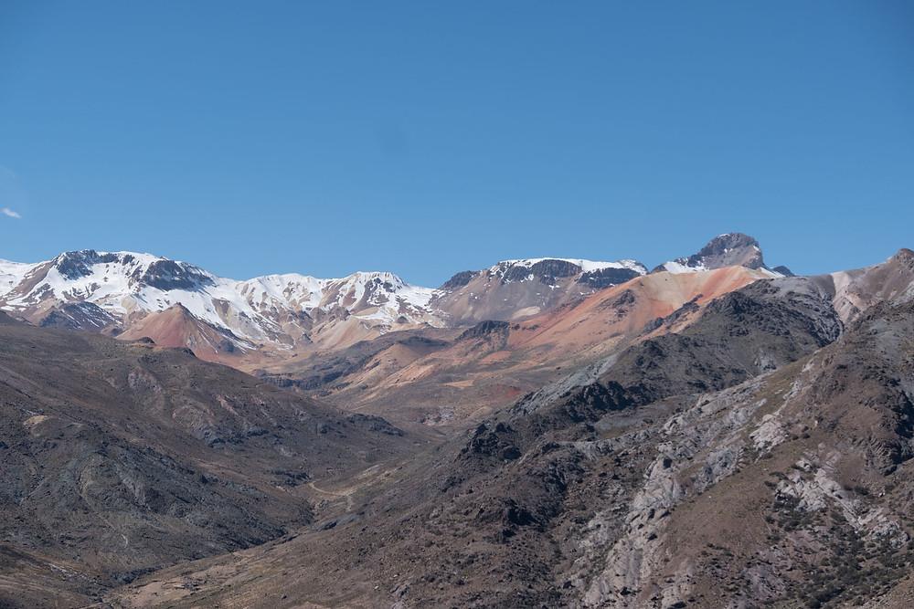 Amazing coloured mountains - AvVida.co.uk