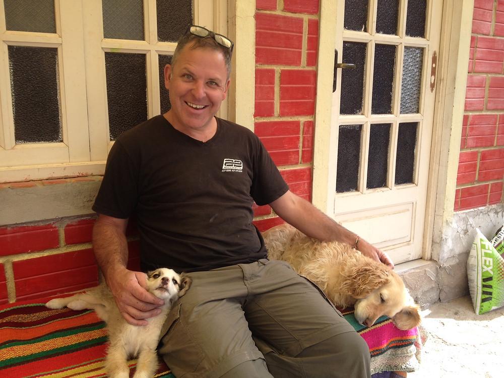 Kelvin with puppy Luna and Kira - AvVida.co.uk