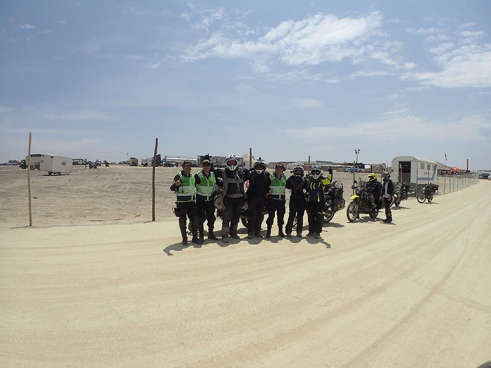 A Dakar photo with the Peruvian police.