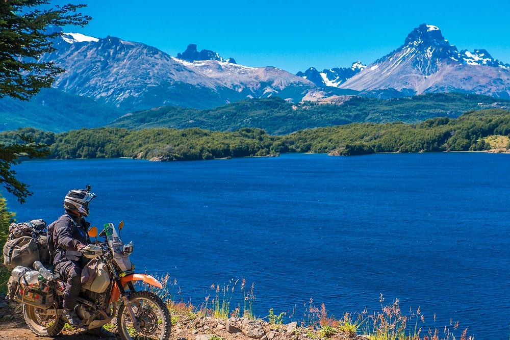 Kelvin beside Lago Lapparent on the X-725, Chile - AvVida.co.uk