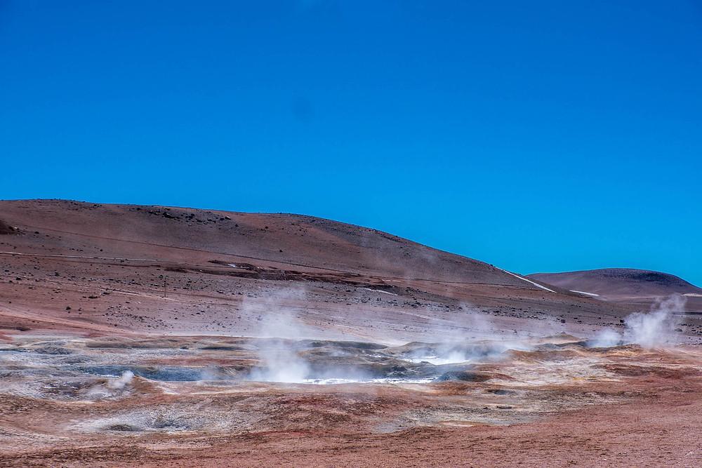 Sol de Manana geysers, Lagunas Route, Blivia - AvVida.co.uk