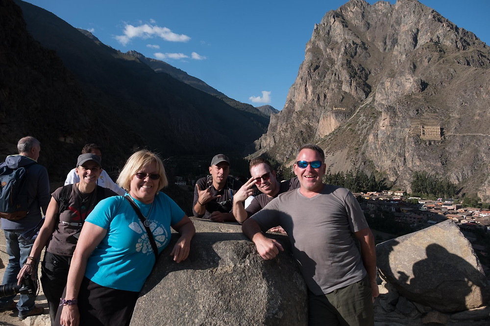 Aida, Kirsi, Paul, Ben and Kelvin in Ollaytaytambo ruins.  AvVida.co.uk. Photo by Suzie Bostock.