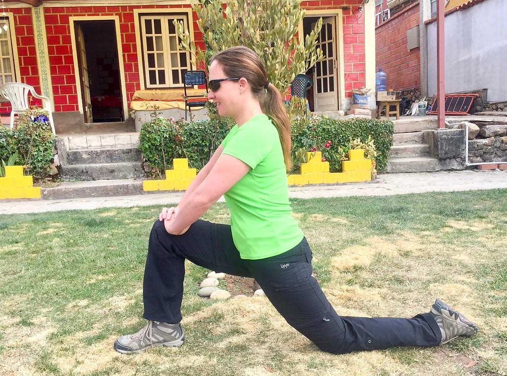 Hip flexor / iliopsoas stretch. AvVida.co.uk - Suzie Says...