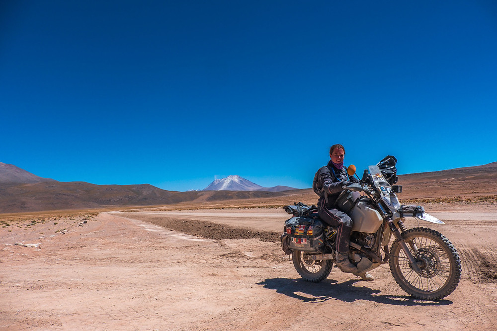 Me happy to have made it through the Lagunas Route the last 6 days and back next to the main road - AvVida.co.uk