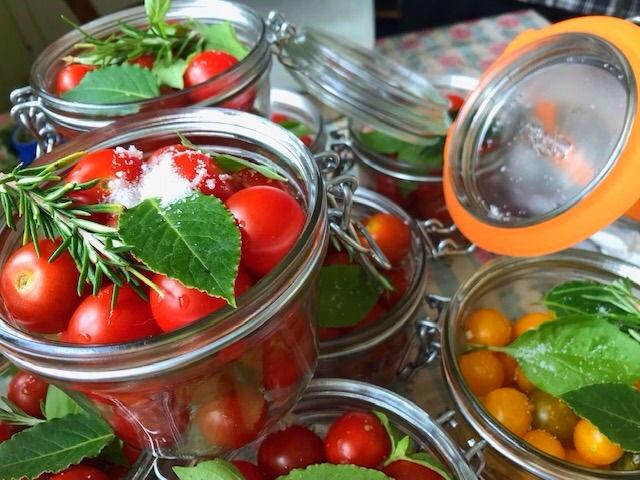 Canned Foods & Jars