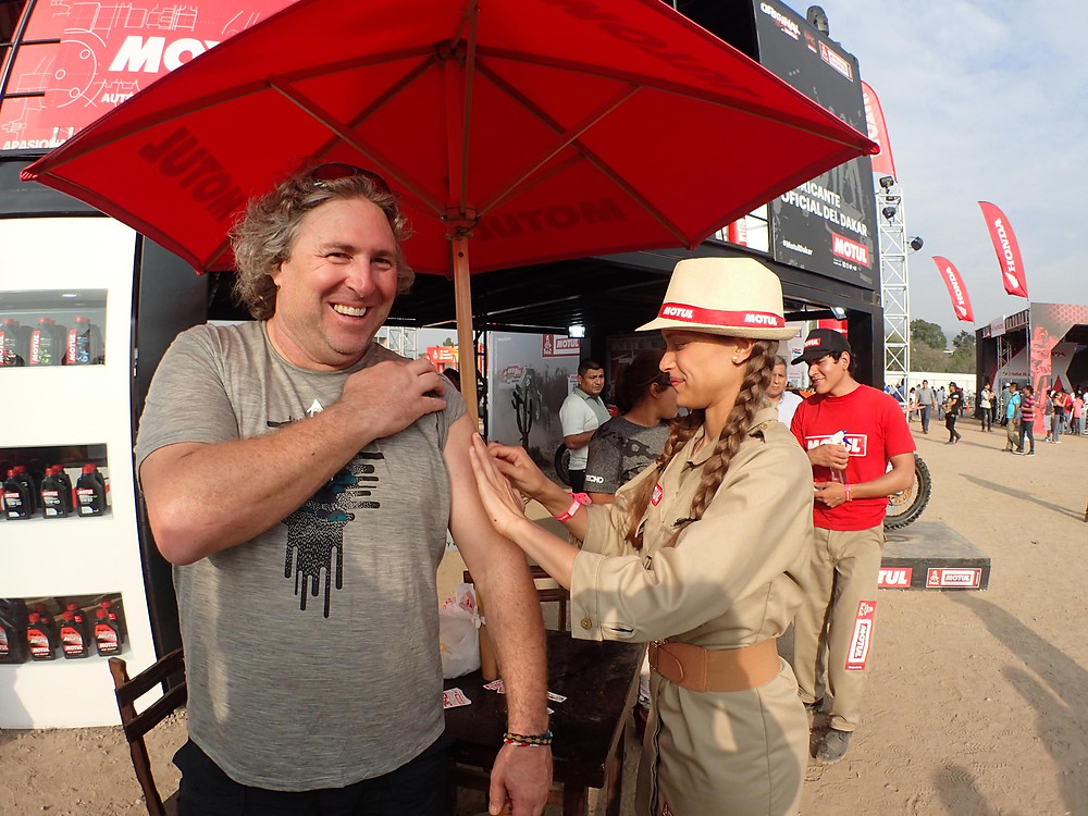 Michnus Olivier getting Tattooed Dakar 2018