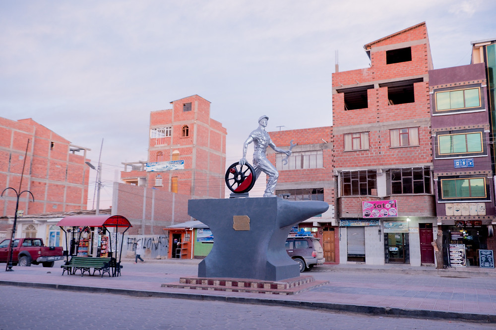 Monument on one of the main streets in Uyuni, Bolivia - photo by www.AvVida.co.uk