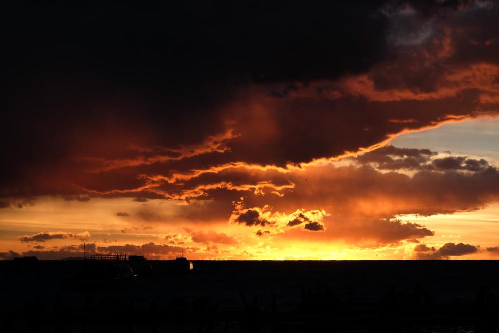 Amazing sunset - AvVida.co.uk
