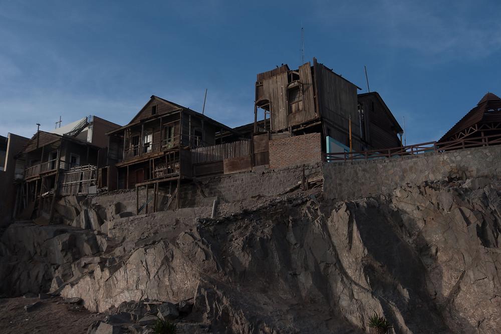 Some run down buildings in Mollendo, Peru - AvVida.co.uk