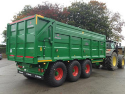 24ft Tri-Axle with Side Extension