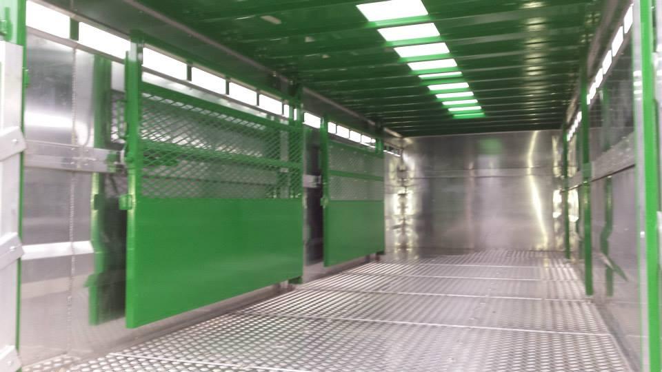 Dividing Gates, Aluminium Interior
