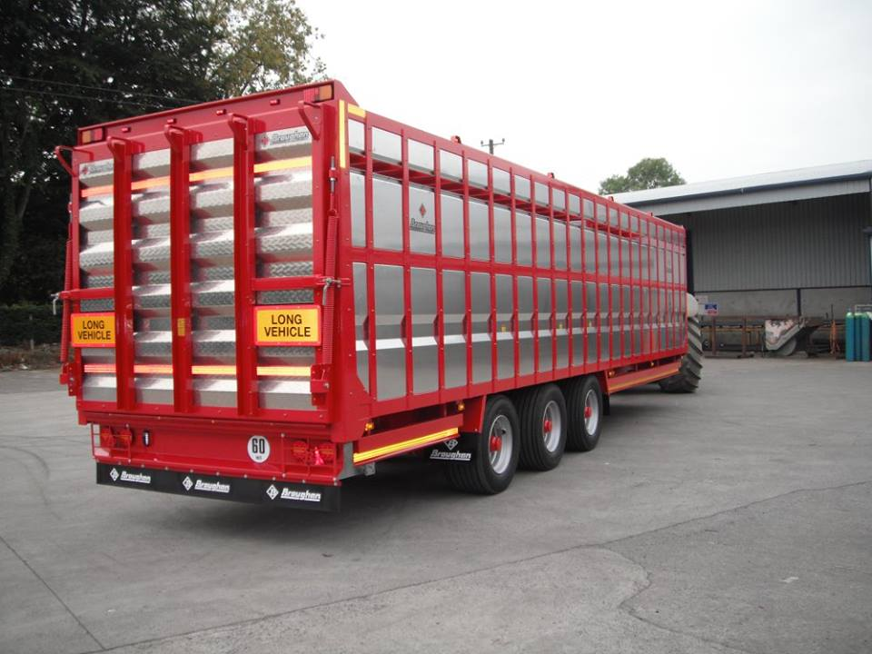 Tri Axle Bale Trailer on Hydraulic Brakes