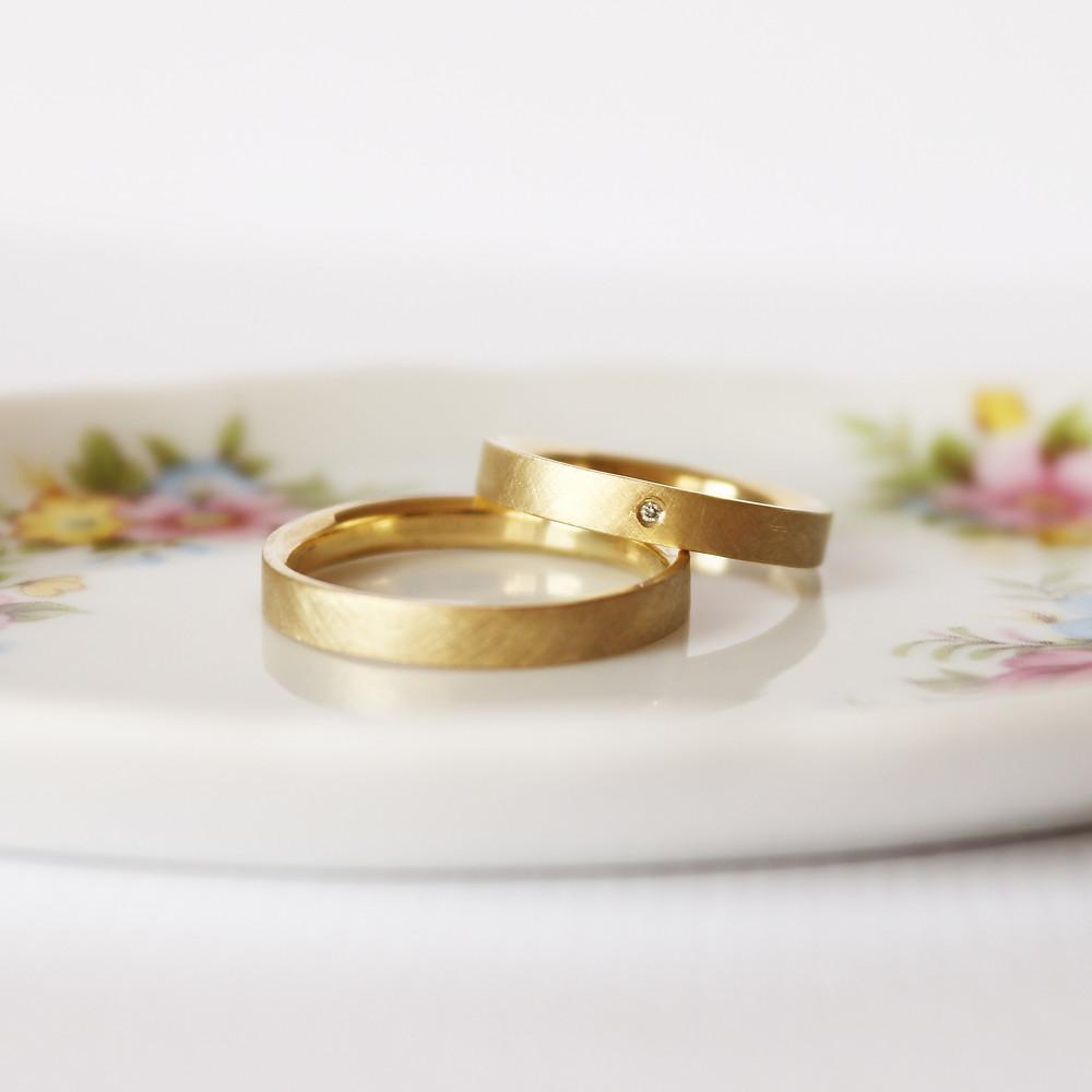 Aliança de casamento feminina