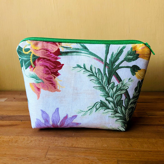 Small Zipper Pouch Vintage Fabric Avening