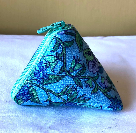 Pocket Pyramid Purse Vintage Fabric Daphne