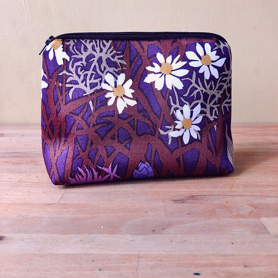 Larger Zip Pouch Meadowsweet Aubergine