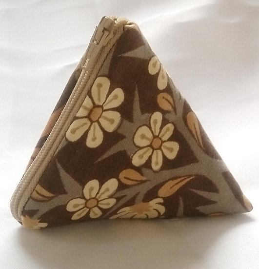 Pocket Pyramid Purse Vintage Fabric Blackthorn