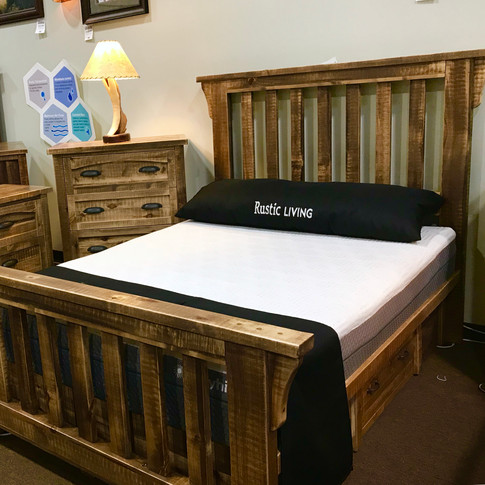 NEW! Woodlands Bed w/ Spindles