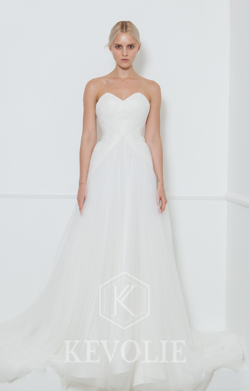 BRIDAL COLLECTION 2015-LOOK 28