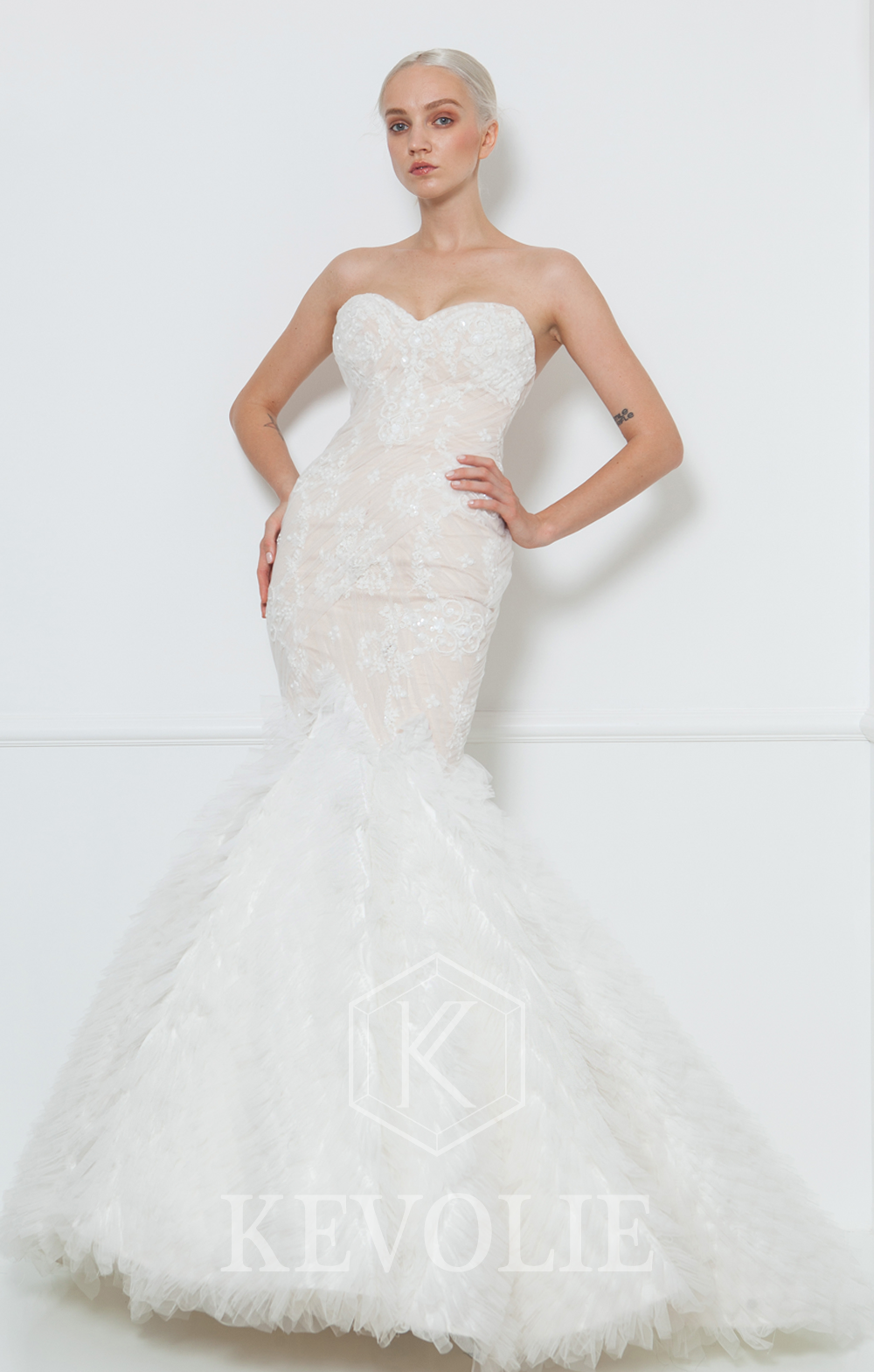 BRIDAL COLLECTION 2015-LOOK 2