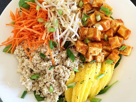 Buddha bol de tofu thaï et quinoa au lait de coco