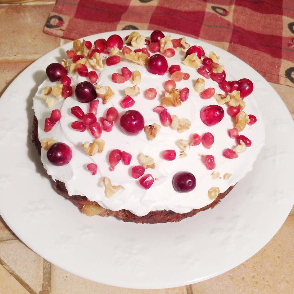 Gâteau poire et canneberge et crème fouettée de lait de coco  Dodo la Grano - recettes végétaliennes, santé et simples