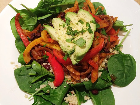 Salade fajitas aux haricots noirs