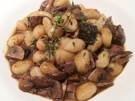 Gnocchis aux champignons et huile de truffle