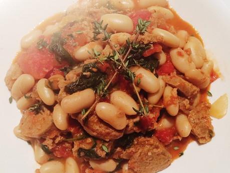 Ragoût de saucisses italiennes et haricots blancs